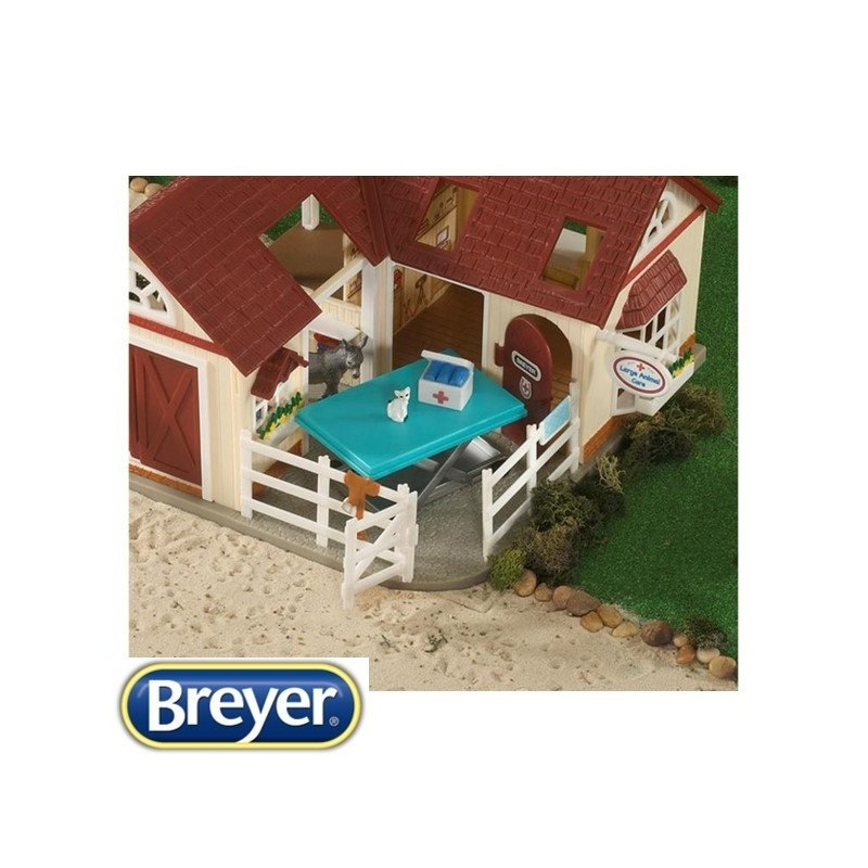 Breyer Stablemates – Deluxe Animal Hospital (1:32 scale)